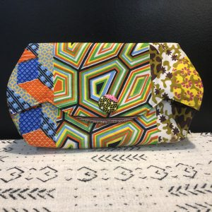 Button clutch large