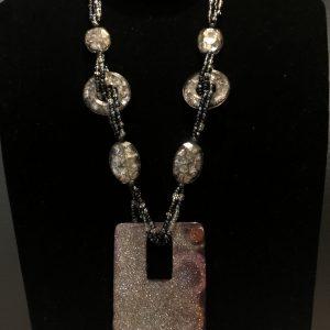 Angola shiny necklace